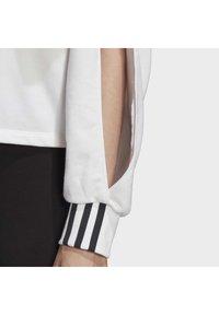 adidas Originals - CROPPED HOODIE - Hoodie - white - 6