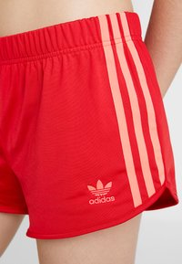 adidas Originals - Shorts - scarlet