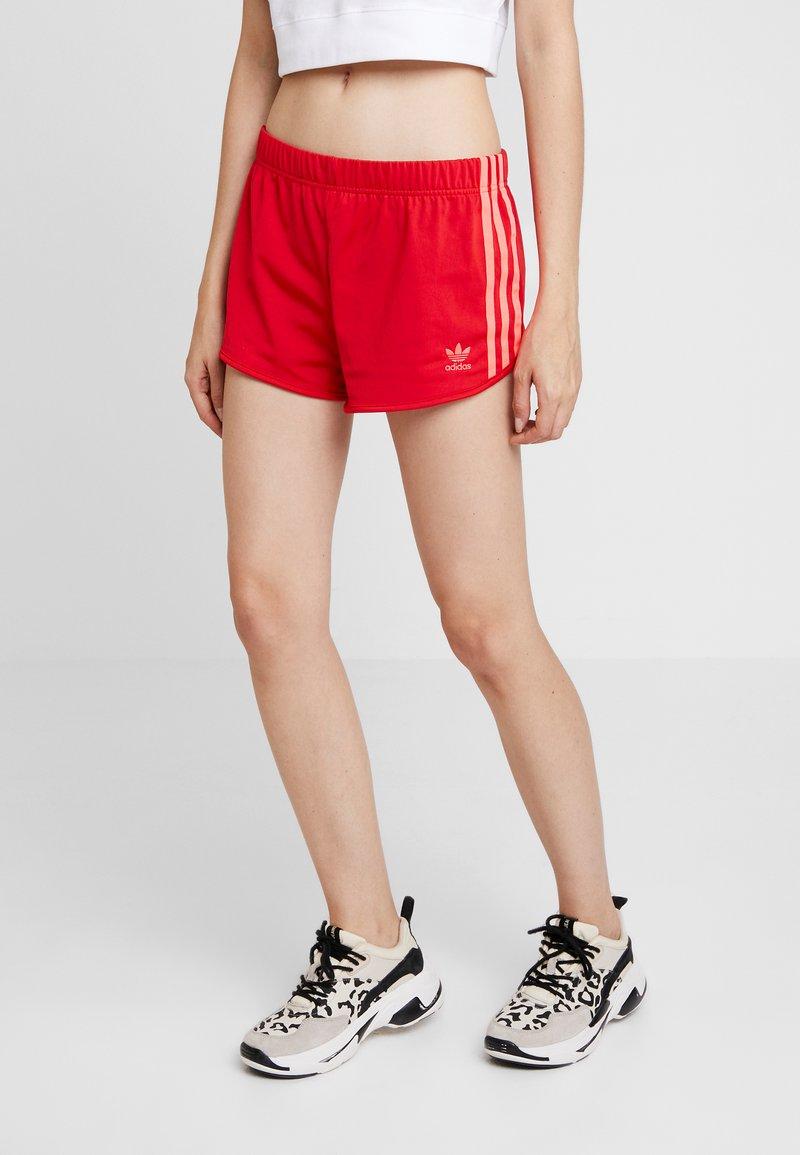 adidas Originals - Kraťasy - scarlet