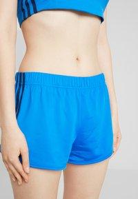 adidas Originals - Shorts - bluebird - 4