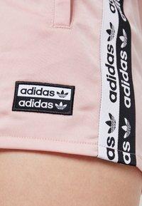 adidas Originals - TAPE - Shorts - pink spirit - 5