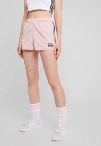 adidas Originals - TAPE - Shorts - pink spirit - 0