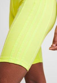 adidas Originals - CYCLING SHORTS - Szorty - semi frozen yellow - 3