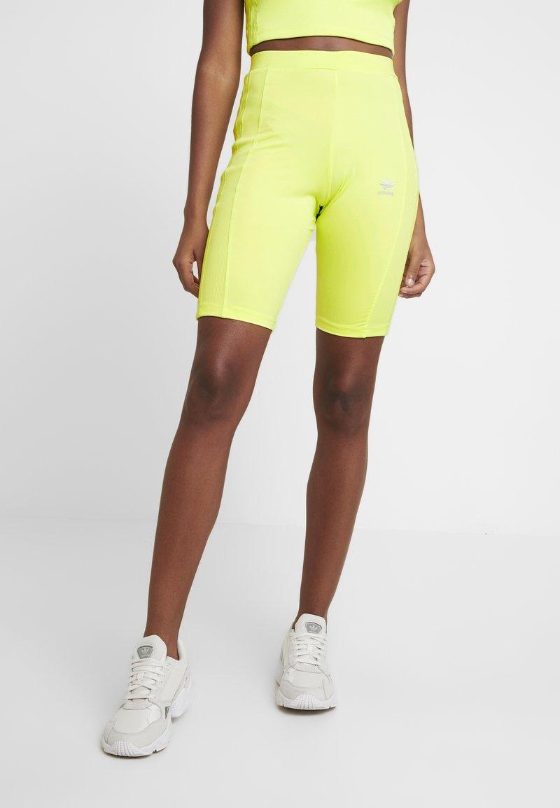 adidas Originals - CYCLING SHORTS - Szorty - semi frozen yellow