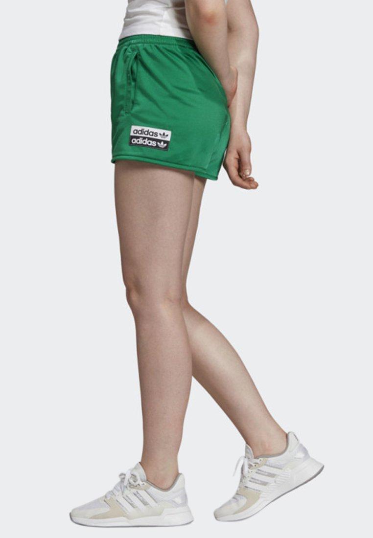adidas Originals SHORTS - Shorts green