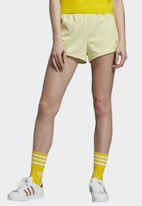 adidas Originals - 3-STRIPES SHORTS - Shorts - yellow - 0