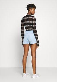 adidas Originals - Shorts - clear sky/white - 2