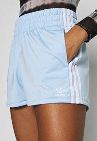 adidas Originals - Shorts - clear sky/white - 4