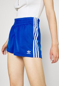 adidas Originals - Shortsit - team royal blue/white - 5