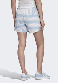 adidas Originals - LARGE LOGO SHORTS - Shorts - blue - 1