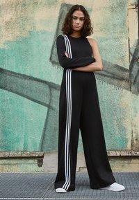 adidas Originals - Combinaison - black - 6