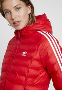 adidas Originals - SLIM JACKET - Light jacket - scarlet - 4