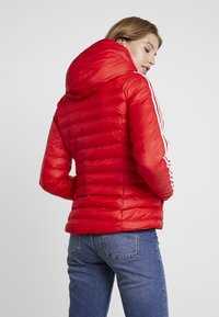 adidas Originals - SLIM JACKET - Light jacket - scarlet - 2
