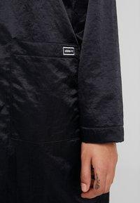 adidas Originals - Vindjacka - black - 5