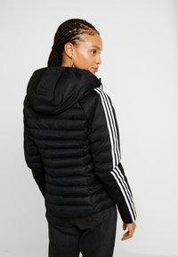 adidas Originals - SLIM JACKET - Veste d'hiver - black - 2