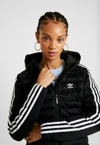 adidas Originals - SLIM JACKET - Veste d'hiver - black - 3