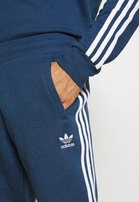 adidas Originals - STRIPES PANT - Trainingsbroek - nmarin - 5