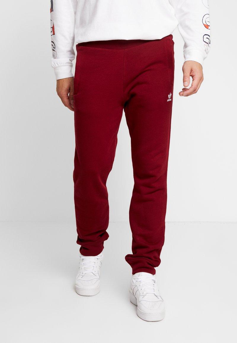 adidas Originals - ADICOLOR REGULAR TRACK PANTS - Verryttelyhousut - collegiate burgundy