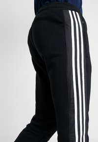 adidas Originals - OUTLINE REGULAR TRACK PANTS - Träningsbyxor - black - 3