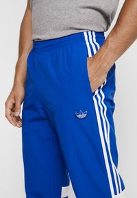 adidas Originals - BALANTA TP - Kangashousut - collegiate royal - 4