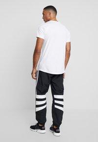 adidas Originals - BALANTA TP - Broek - black - 2