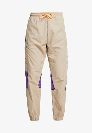 REGULAR TRACK PANTS - Cargo trousers - beige