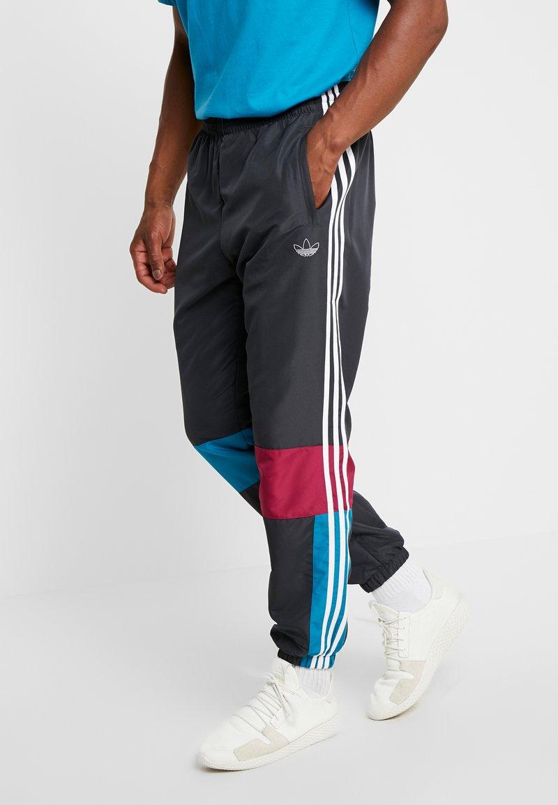 adidas Originals - TRACK PANT - Tracksuit bottoms - carbon/active teal/berry