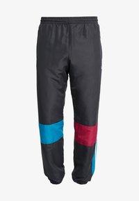 adidas Originals - TRACK PANT - Træningsbukser - carbon/active teal/berry - 4