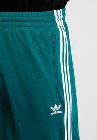 adidas Originals - FIREBIRD  - Teplákové kalhoty - noble green - 6
