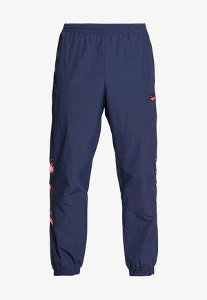 FOOTBALL GRAPHIC TRACK PANTS - Jogginghose - blue