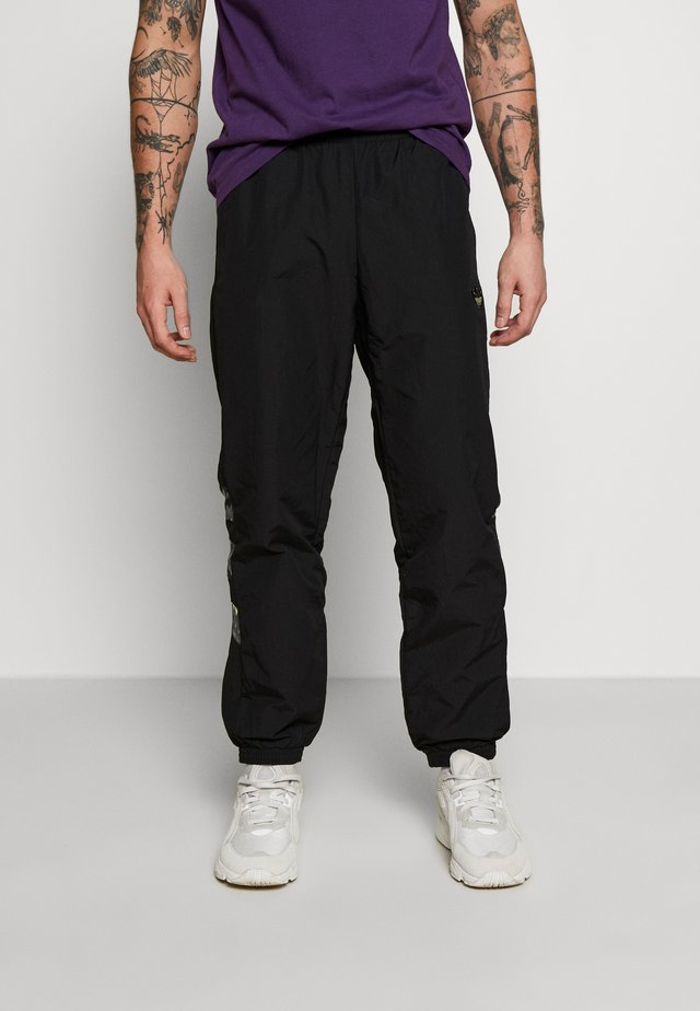 FOOTBALL GRAPHIC TRACK PANTS - Pantaloni sportivi - black
