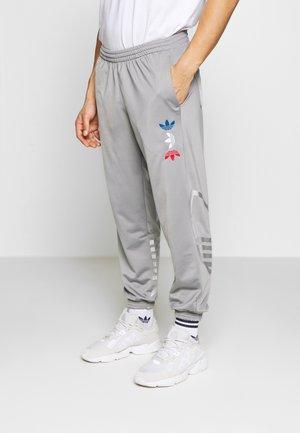 ADICOLOR TREFOIL TRACK PANTS - Pantalones deportivos - grey