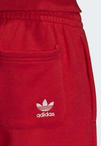 adidas Originals - BIG TREFOIL JOGGERS - Träningsbyxor - red - 6