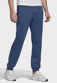 adidas Originals - TREFOIL ESSENTIALS PANTS - Tracksuit bottoms - blue - 2