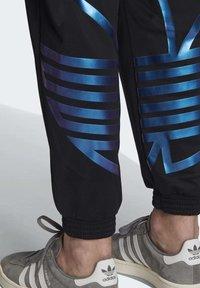 adidas Originals - ZENO TREFOIL TRACKSUIT BOTTOMS - Tracksuit bottoms - black - 5