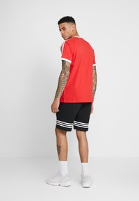 adidas Originals - OUTLINE  - Short - black - 2