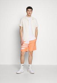 adidas Originals - TREFOIL  - Shorts - chacor - 1