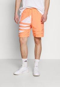 adidas Originals - TREFOIL  - Shorts - chacor - 0