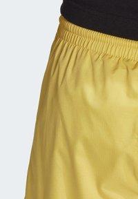 adidas Originals - SHORTS - Short - yellow - 6