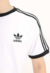 adidas Originals - STRIPES TEE - Printtipaita - white - 4