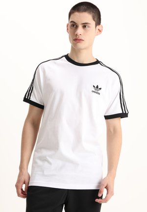 3 STRIPES TEE - T-shirt z nadrukiem - white