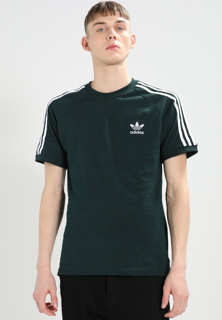 adidas Originals - 3-STRIPES TEE - T-shirt con stampa - dark green