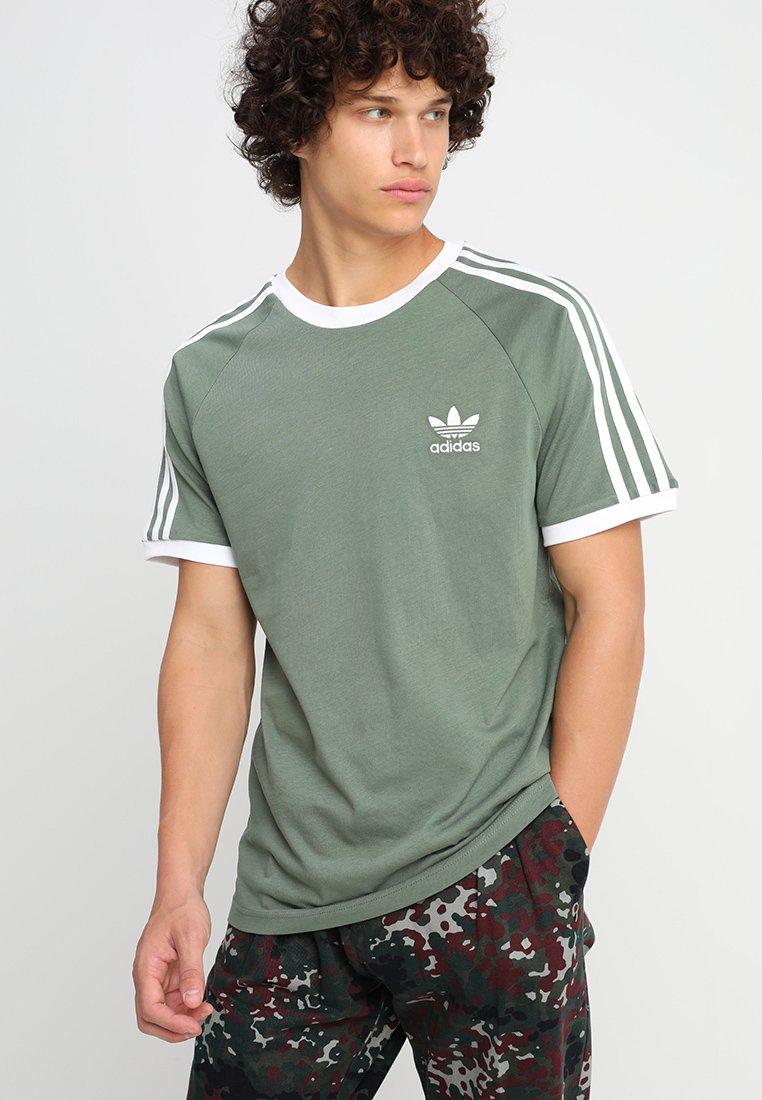 adidas Originals - 3-STRIPES TEE - T-shirt print - green