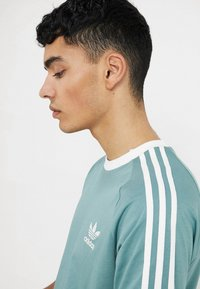 adidas Originals - ADICOLOR 3STRIPES SHORT SLEEVE TEE - T-shirt imprimé - mint - 4