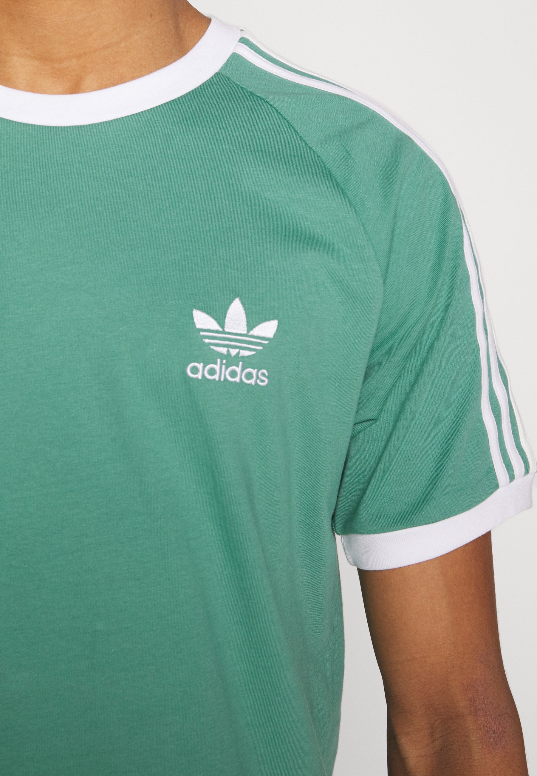 adidas Originals STRIPES TEE - T-shirt z nadrukiem - green