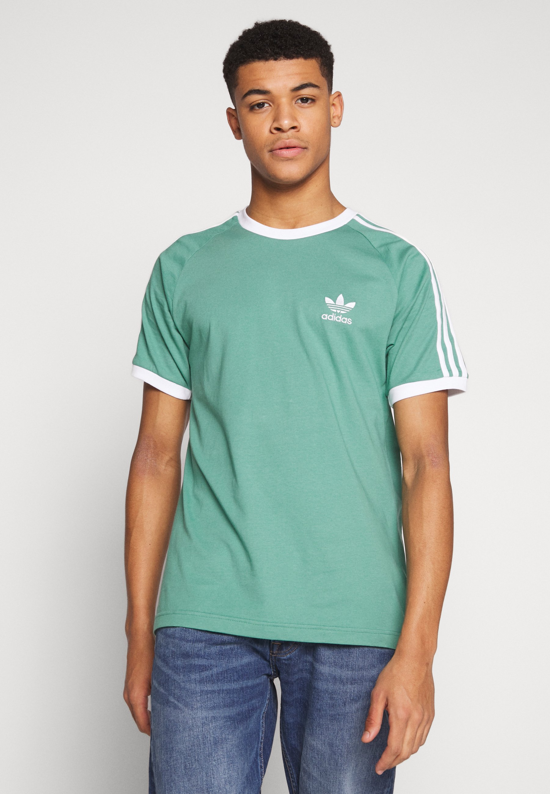 adidas Originals ADICOLOR 3STRIPES SHORT SLEEVE TEE - T-shirt z nadrukiem - green