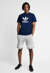adidas Originals - ADICOLOR TREFOIL TEE - Print T-shirt - collegiate navy - 1