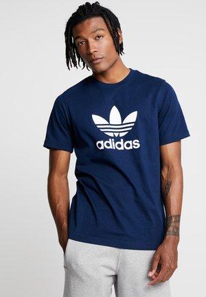 ADICOLOR TREFOIL TEE - Print T-shirt - collegiate navy