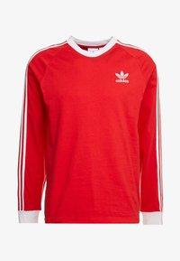adidas Originals - 3 STRIPES UNISEX - T-shirt à manches longues - lush red - 4
