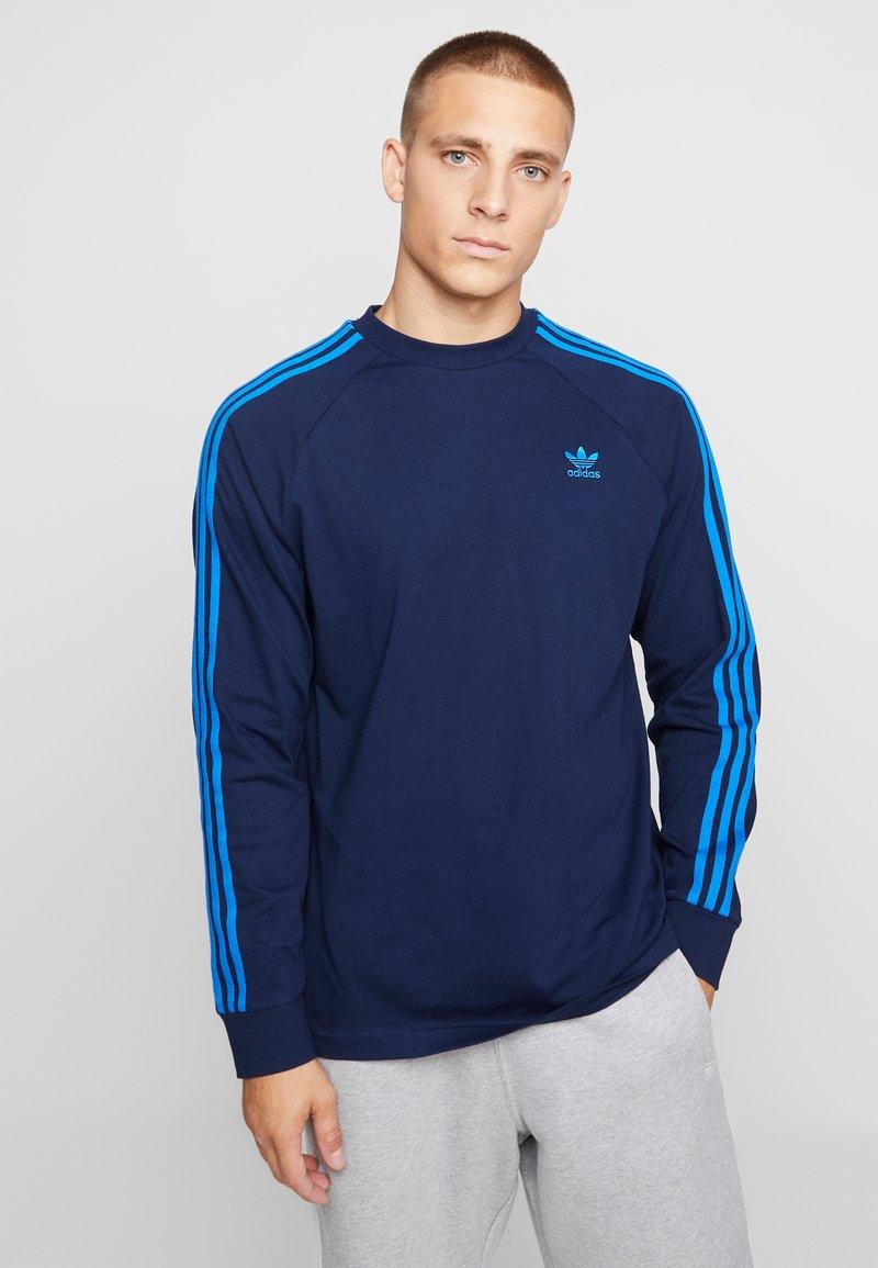adidas Originals - ADICOLOR 3 STRIPES LONGSLEEVE TEE - Langarmshirt - collegiate navy/bluebird